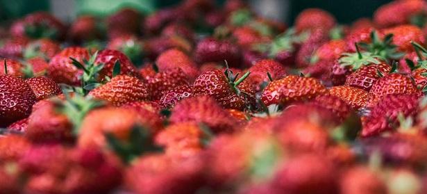 carotenoids strawberries
